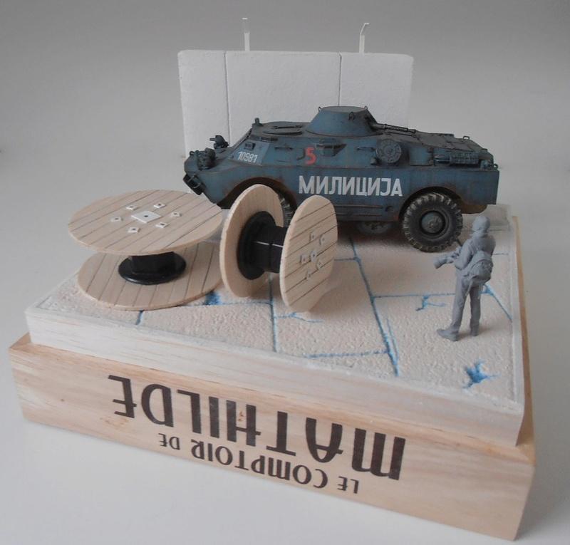 BRDM 2 serbe police militaire ( verlinden au 1/35eme ) P3051036