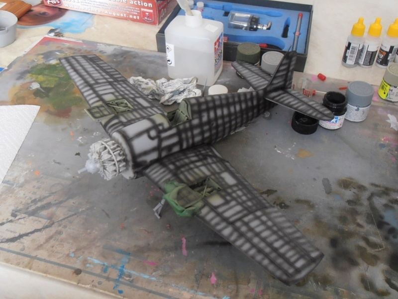 GRUMMAN F6F-5 Hellcat (Hasegawa 1/32eme) - Page 2 P3121114
