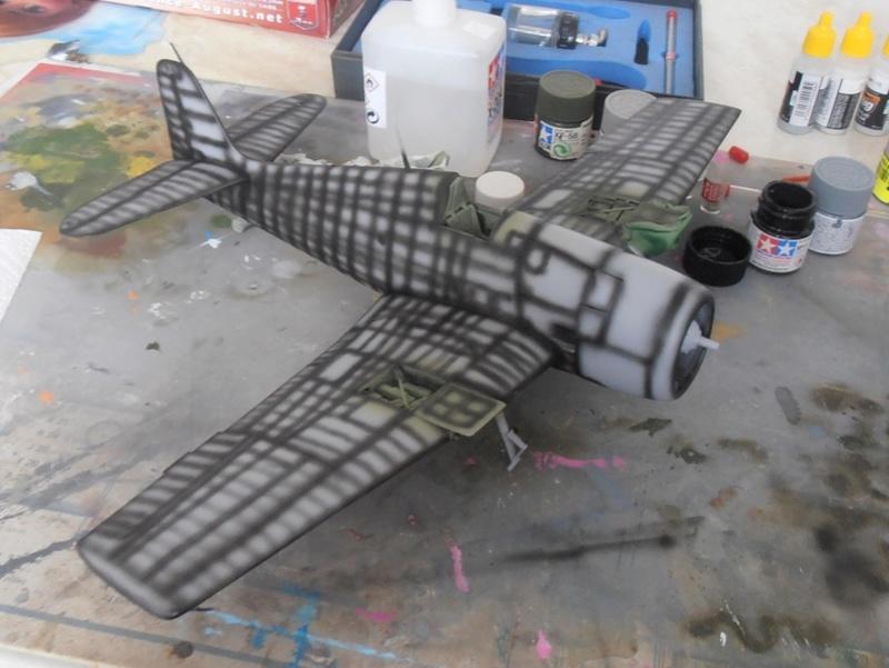 GRUMMAN F6F-5 Hellcat (Hasegawa 1/32eme) - Page 2 P3121116