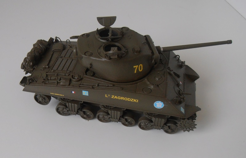 "Sherman M4a3 76 mm "" 2 eme DB ""  ( 1/35eme, dragon ) P5041611"