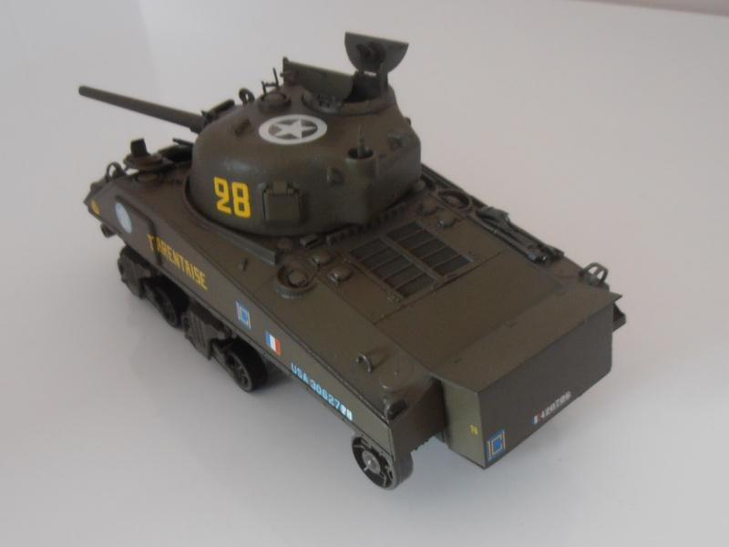 """Sherman M4A2 """" tarentaise """" et AMM 8 """" Massy """" ( la deco ). Pa261215"""