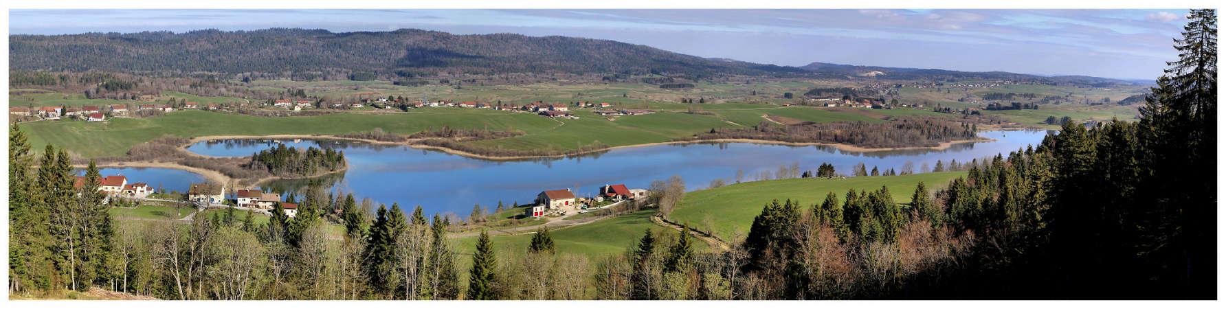 Lac de l'abbaye en grandvaux Panoab11