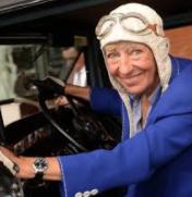 Heidi Hetzer - mit 75 Lebensjahren und einem Oldtimer um die Welt Heidi_10