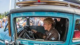 Heidi Hetzer - mit 75 Lebensjahren und einem Oldtimer um die Welt Heidi_11