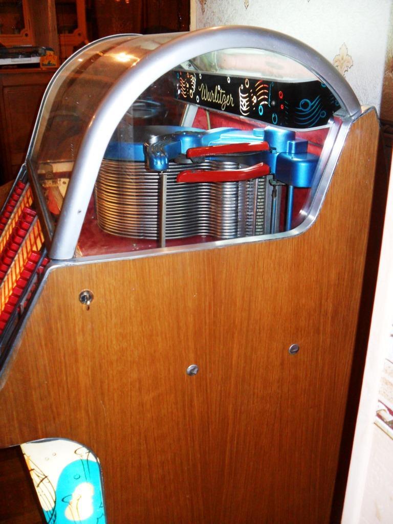 J'ai enfin mon jukebox ! - Page 3 2210