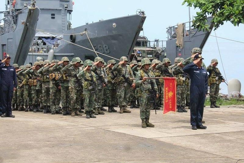 Marine des Philippines - Page 6 Brp10