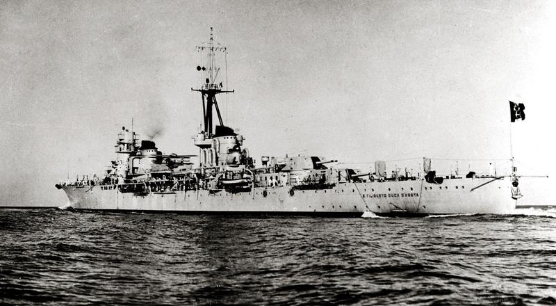 Croiseurs italiens - Page 2 Emanue11