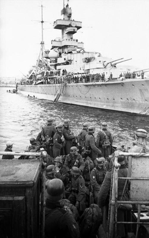 Croiseurs allemands - Page 2 Hipper10