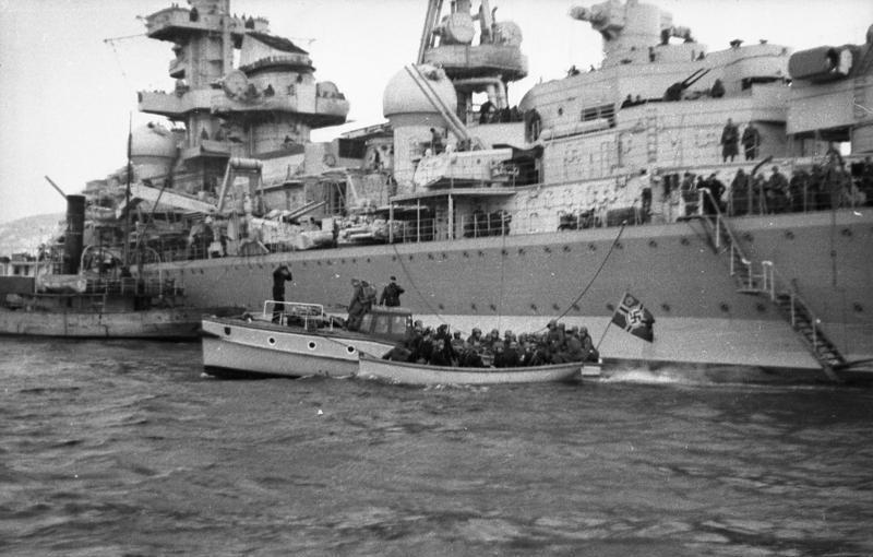 Croiseurs allemands - Page 2 Hipper11