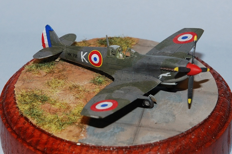 Supermarine Spitfire Mk.IXe [Eduard 1/144ème] Forum115