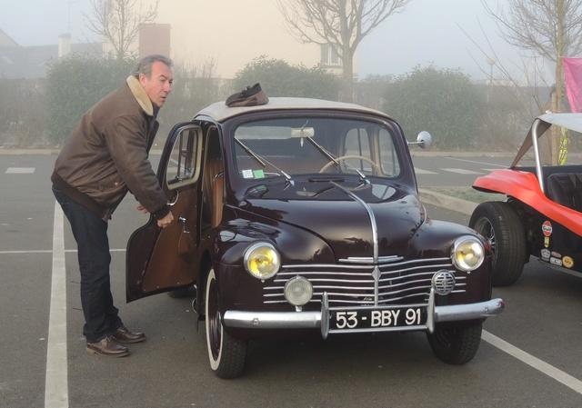 Renault 4CV découvrable 1952 Dscn9517