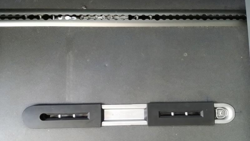[VENDU] RAIL/SUPPORT de siège individuel arrière (pour passer en 5 places) 310