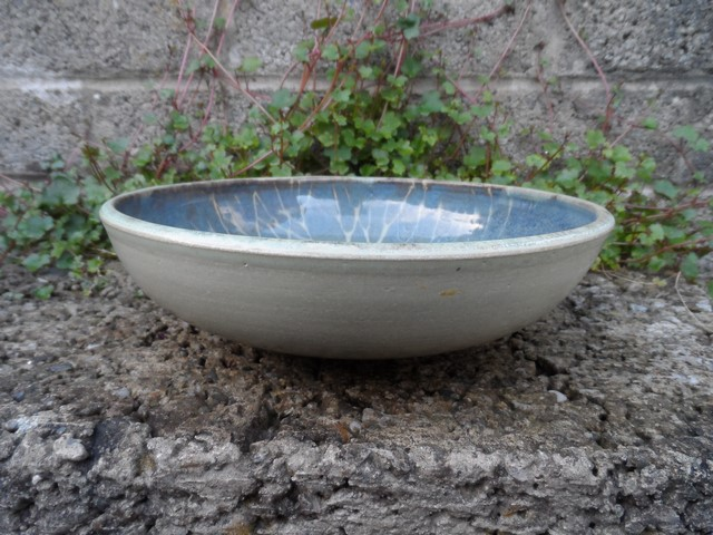 Lovely bowl with SR mark - Sarah Russell, Vermont, USA Sam_8610