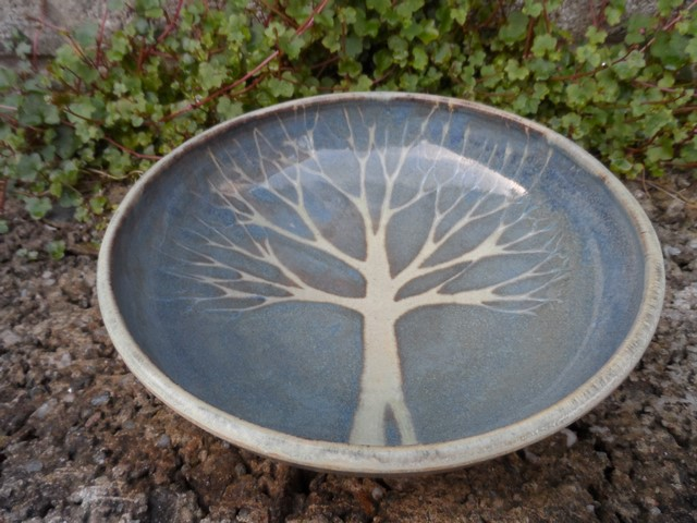 Lovely bowl with SR mark - Sarah Russell, Vermont, USA Sam_8611