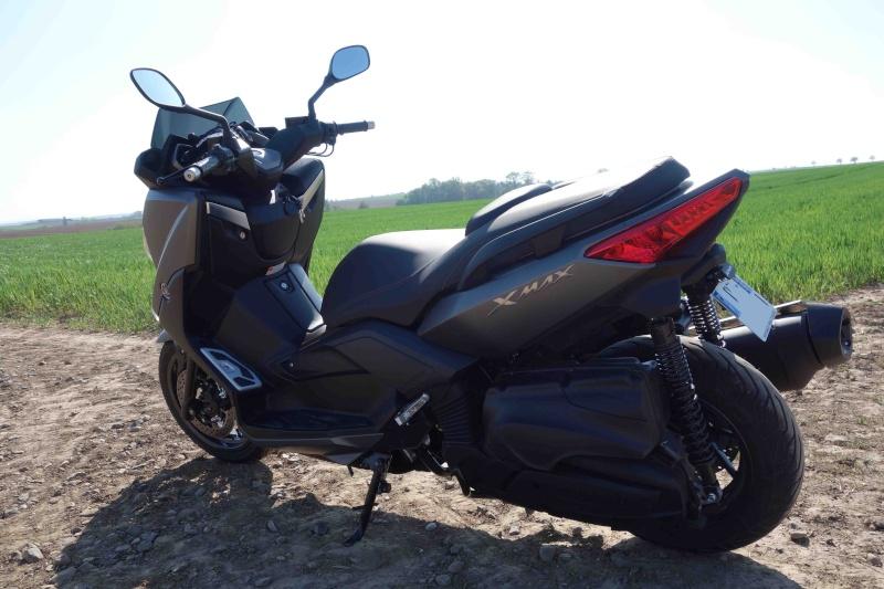 X-Max 400 ABS Matt grey Dsc01014
