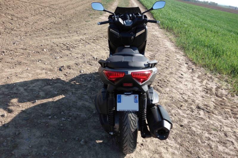 X-Max 400 ABS Matt grey Dsc01015