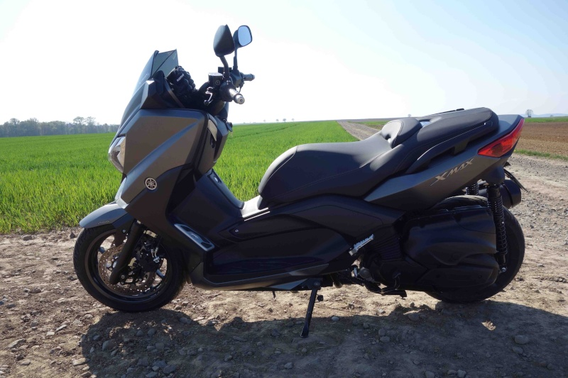 X-Max 400 ABS Matt grey Dsc01016
