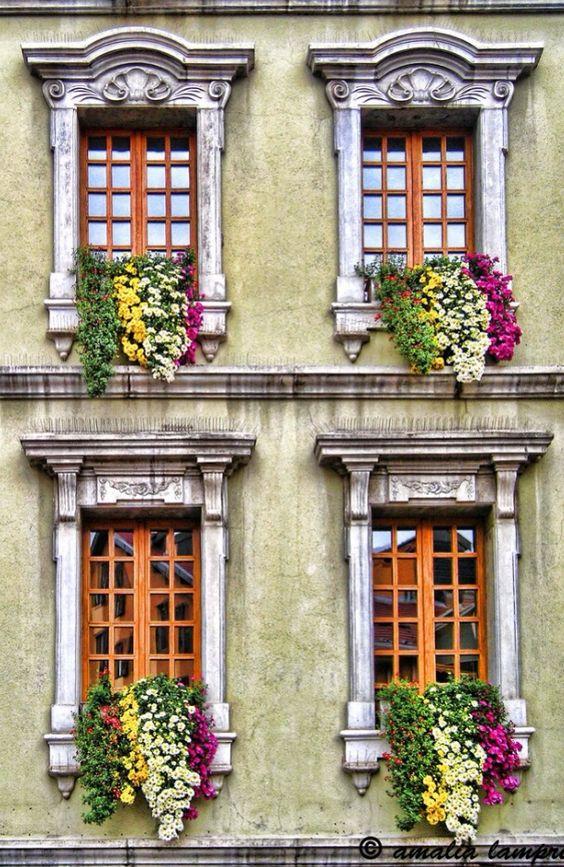 Des fenêtres d'hier et d'aujourd'hui. - Page 27 0bc29910
