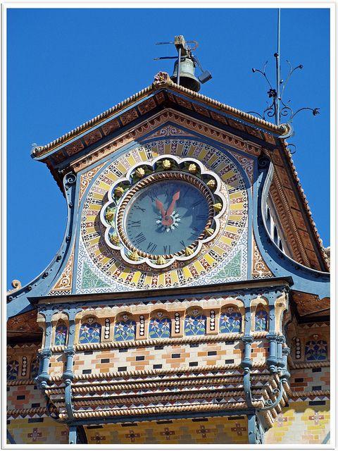 Reçu un beau diapo....Les horloges et pendules des rues..... - Page 44 1217c310