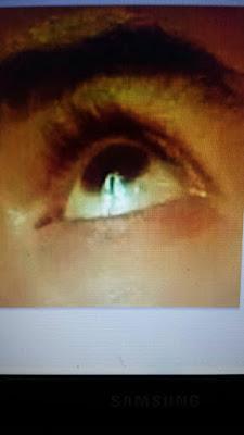 SONDAGE : Silhouette de la V. Marie apparaît dans les yeux de Marcos. La voyez-vous? Y croyez-vous ? Photo_11