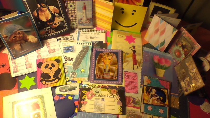 Friendship Books (2018) , swappers wanted ! ATCs, fans & collections.