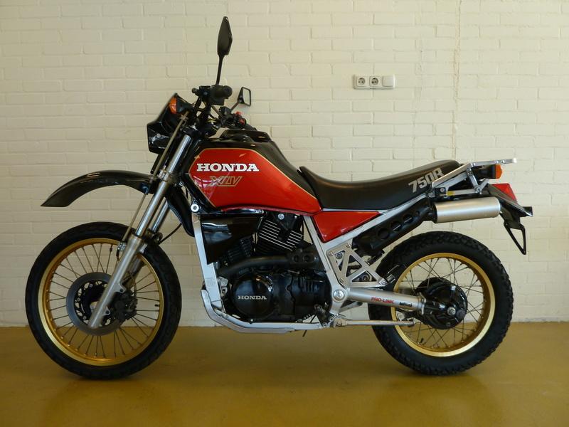 cherche souvenir de jeunesse Honda XLV 750R Honda-10