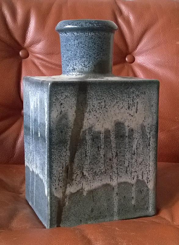 "Big rectangular studio vase signed ""R..., 80"" for ID Bigblu11"