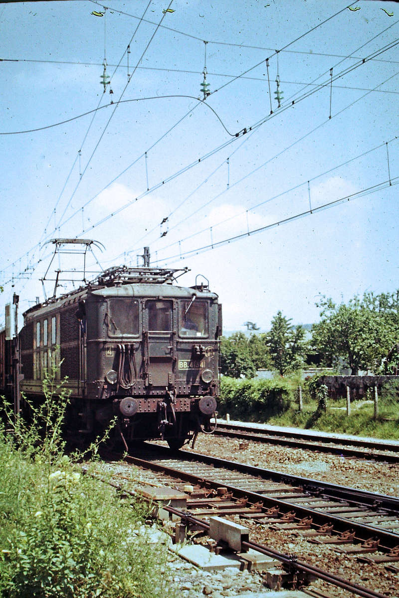 Pk 082,2 : Gare de Foix  (09) - La Saga Verte de Jean Louis - Page 5 Bb-41011