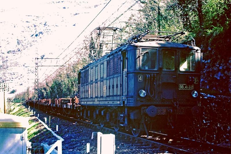 Pk 082,2 : Gare de Foix  (09) - La Saga Verte de Jean Louis - Page 5 Bb-41014