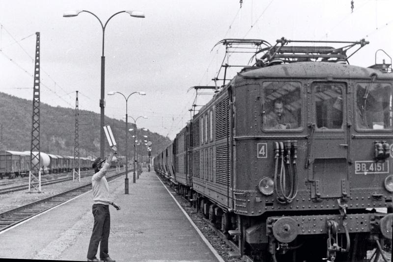 Pk 082,2 : Gare de Foix  (09) - La Saga Verte de Jean Louis - Page 5 Bb-41016