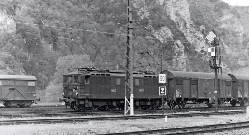 Pk 082,2 : Gare de Foix  (09) - La Saga Verte de Jean Louis - Page 5 Bb-41017
