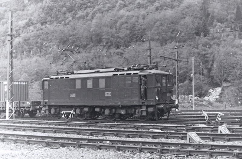 Pk 082,2 : Gare de Foix  (09) - La Saga Verte de Jean Louis - Page 5 Bb-41019