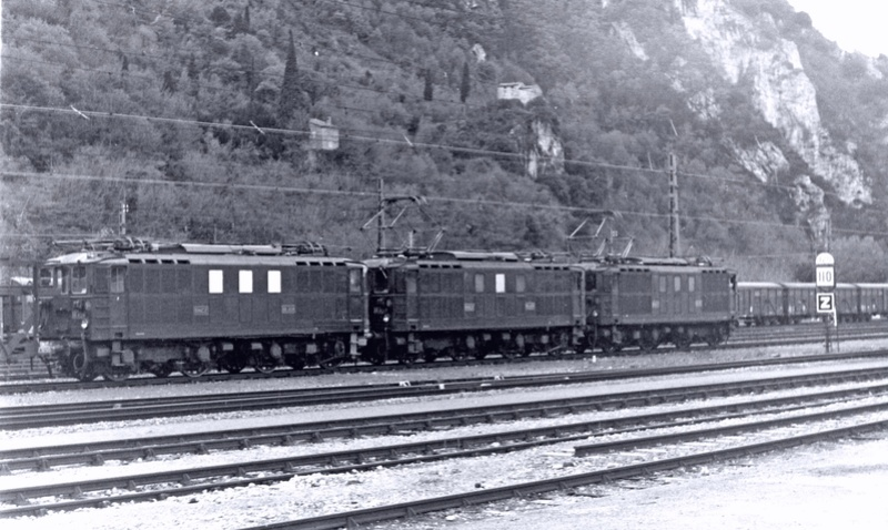 Pk 082,2 : Gare de Foix  (09) - La Saga Verte de Jean Louis - Page 6 Bb-41022