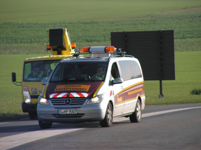 Véhicules d'escorte pour convois exceptionnels Convoi12