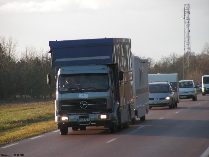 Les Camions des forains - Page 4 Le_09_70