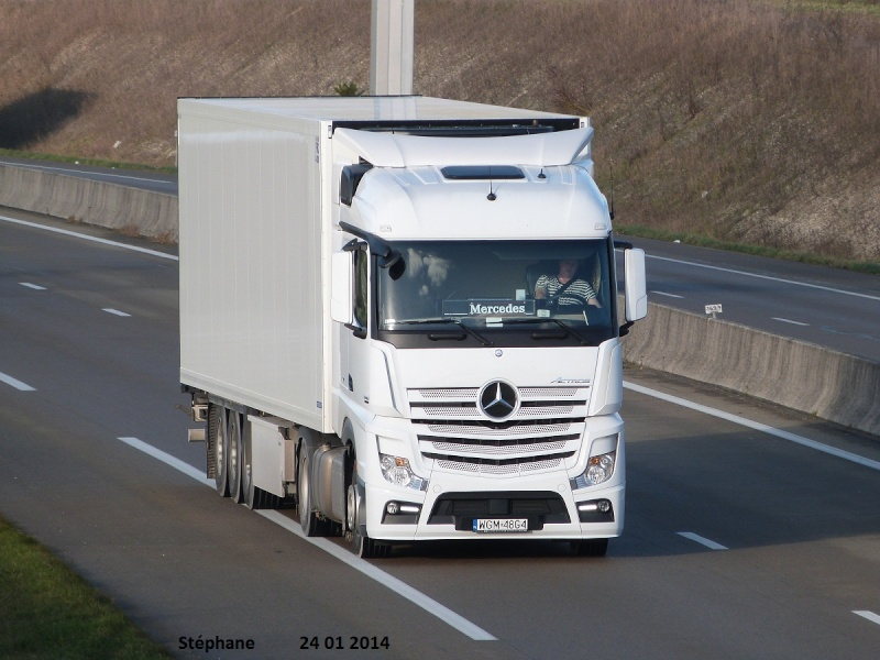 Mercedes Actros MP4 (euro 6 )  - Page 7 P1180549