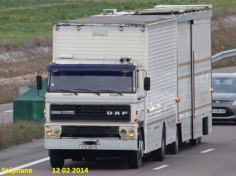 Les Camions des forains - Page 4 P1190448
