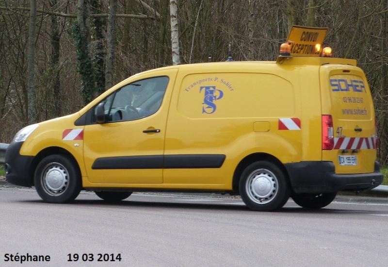 Véhicules d'escorte pour convois exceptionnels P1210912