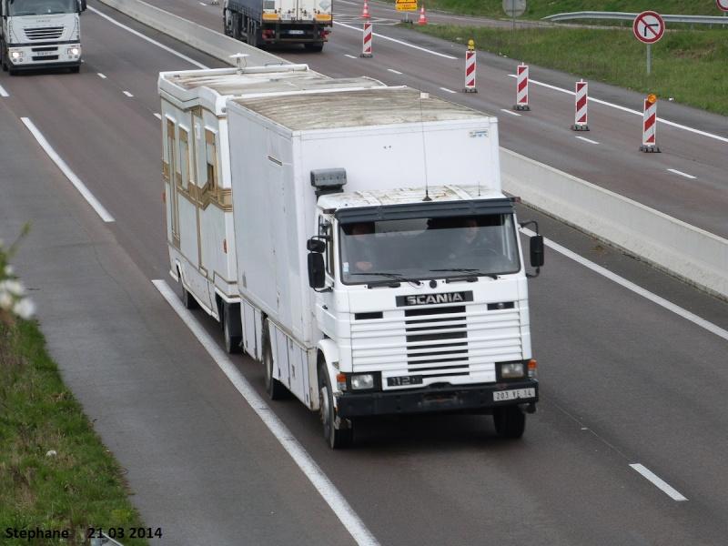 Les Camions des forains - Page 4 P1220333
