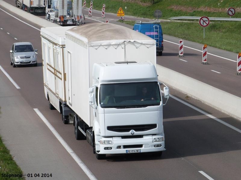 Les Camions des forains - Page 4 P1230046