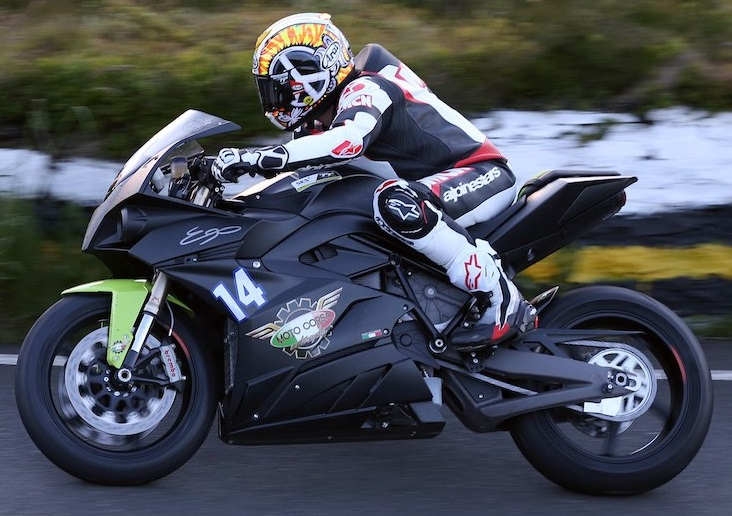 [Road Racing] TT 2017 - Page 22 Chadst10