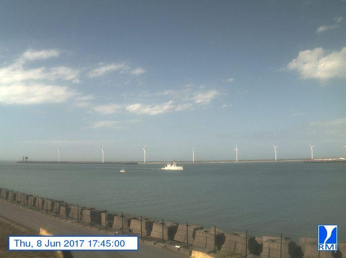 Photos en direct du port de Zeebrugge (webcam) - Page 63 212