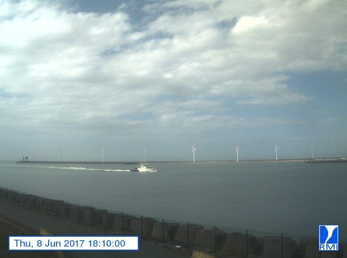 Photos en direct du port de Zeebrugge (webcam) - Page 63 312