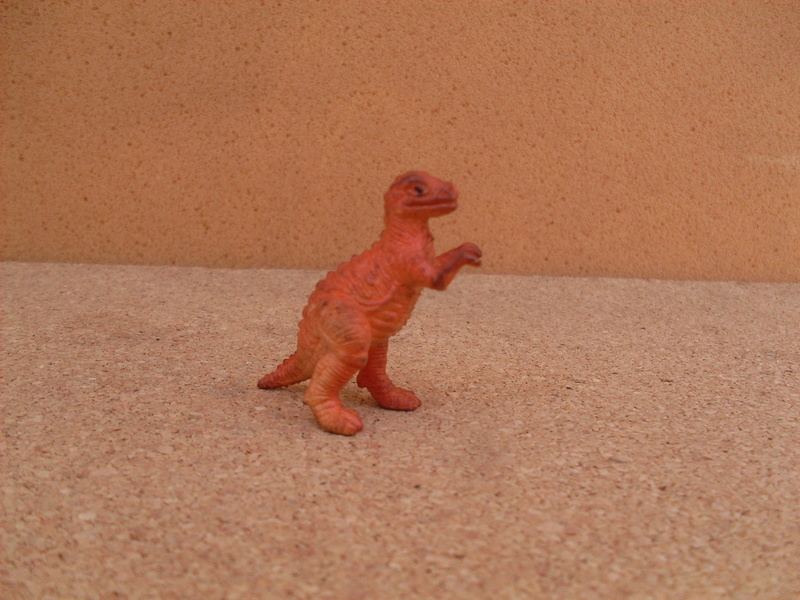 Asking pictures of Panini dinos and related!  4-tyra13