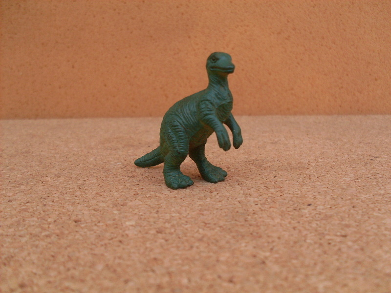 Asking pictures of Panini dinos and related!  6-camp12