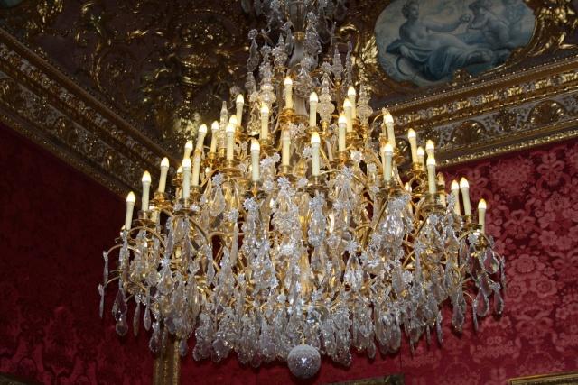 Le Louvre, ses fantômes et ses stars 1_1_1191