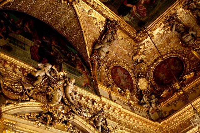 Le Louvre, ses fantômes et ses stars 1_1_1193