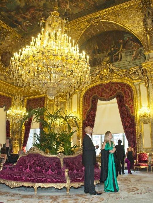 Le Louvre, ses fantômes et ses stars 1_1_1196