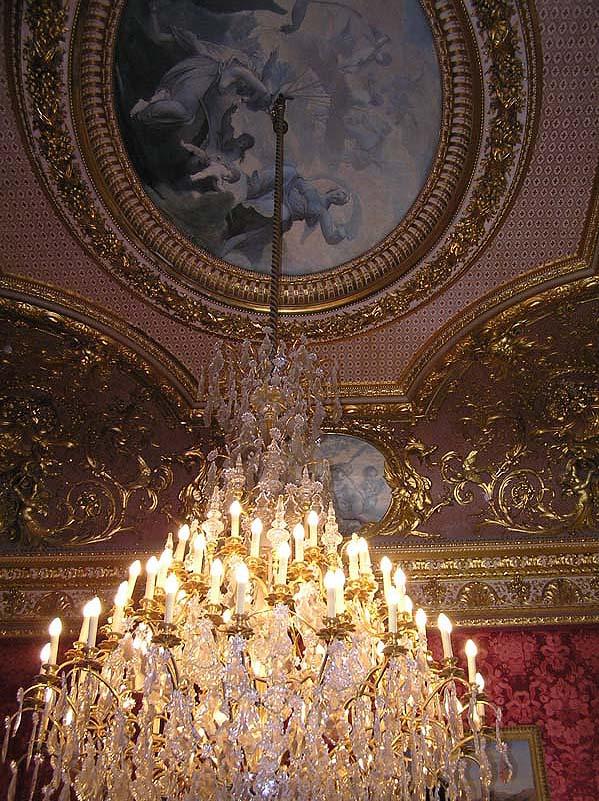 Le Louvre, ses fantômes et ses stars 1_1_1261