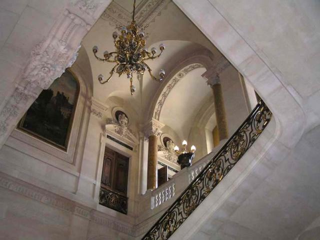 Le Louvre, ses fantômes et ses stars 1_1_1_13
